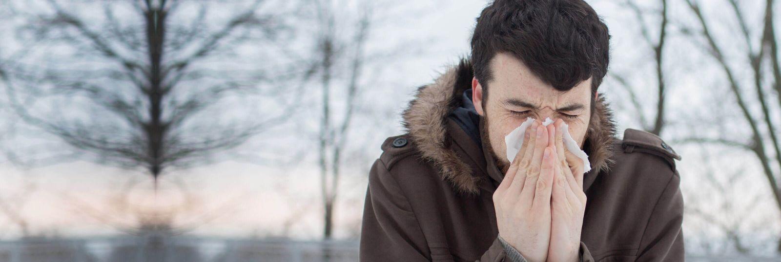 causas de los estornudos